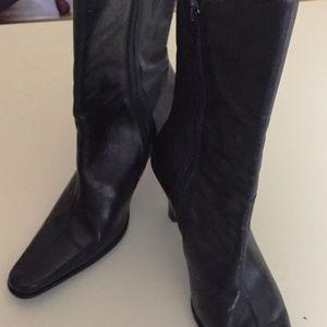 A1001 Liz Claiborne Size 6.5 Calf Boot